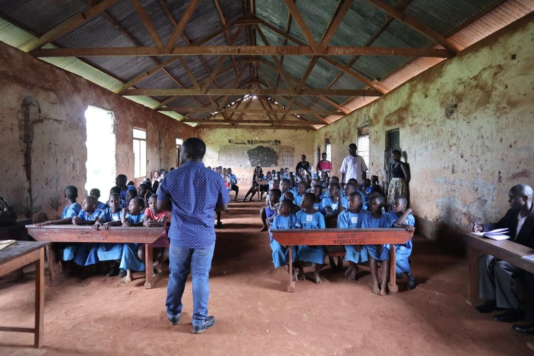 KIDA Freiwilligendienst Uganda Schulklasse